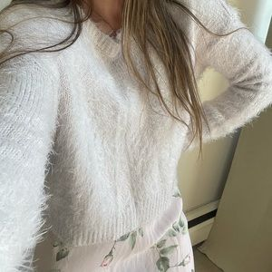 💕3 for $25💕 Super soft sweater!